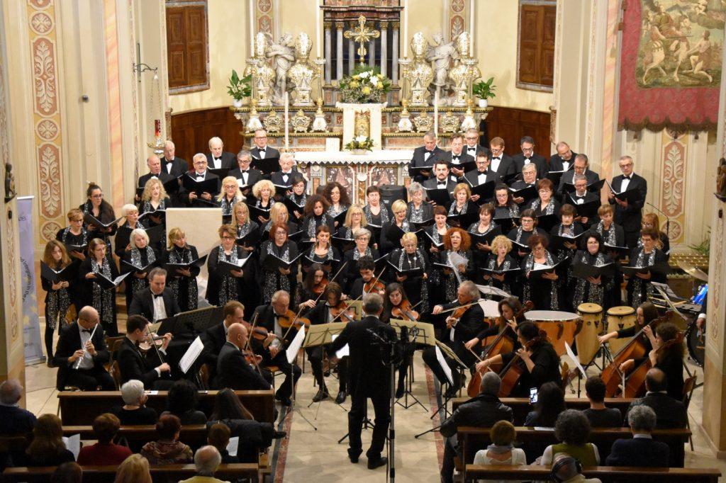 Orchestra e Coro Sinfonico Amadeus (r)